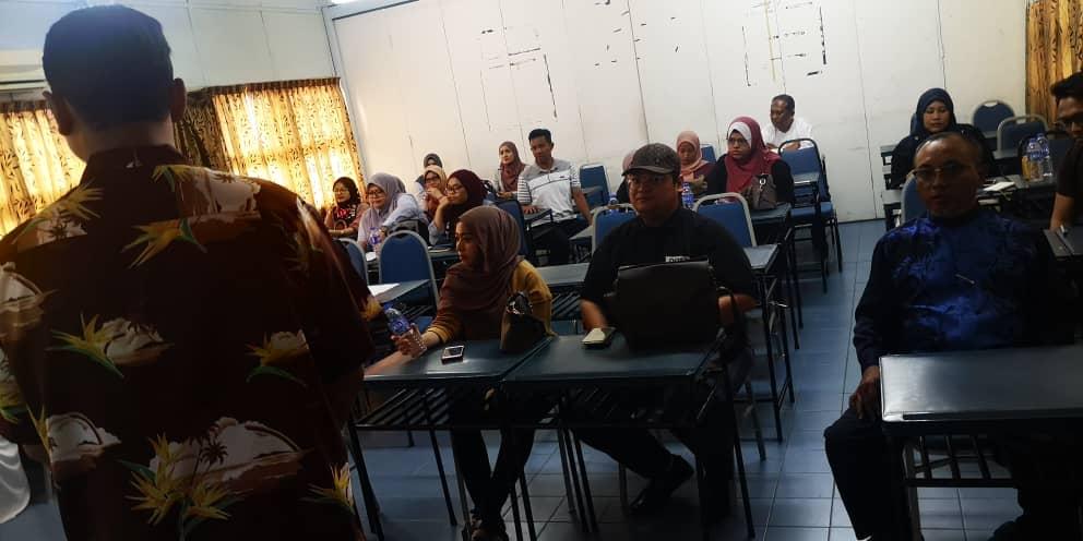 Kelas Pemasaran Digital Anjuran Jawatankuasa Kluster ICT & Latihan Kerjasama DPIM Johor 1